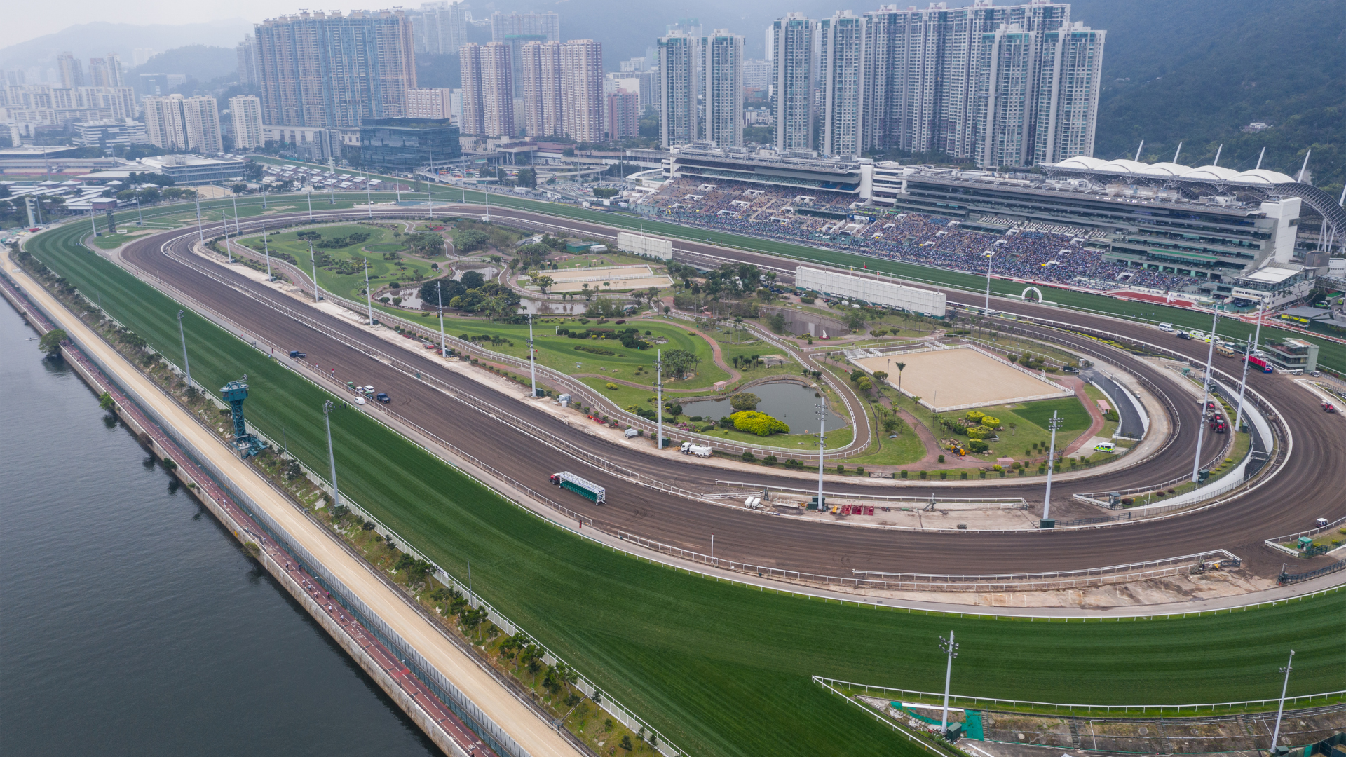 Hong Kong International Race Day Tips & Ratings - The Syndicate